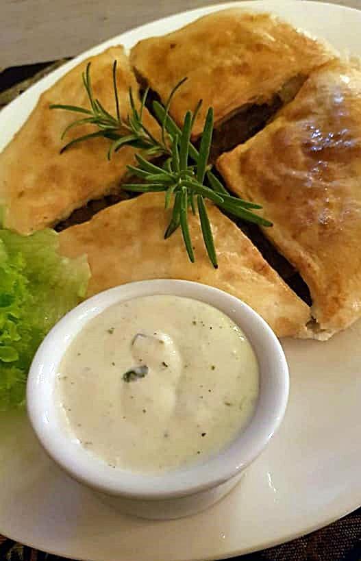 Chaczapuri z mięsem - Ormiańskie Piwnice Zamość